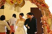 96.01.20 婚宴:餐廳丫姨在交待進場儀式