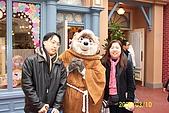95.03.09~03.13 東京自助之旅:迪士尼樂園內的人偶裝-小琬+BF