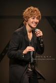 2011金賢重日本巡演表演, 記者會, 機場圖:111109-日本巡演-大阪-064-ah34.jpg