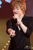 2011金賢重日本巡演表演, 記者會, 機場圖:1111119-日本巡演-東京-024.jpg