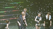 金賢重2012 Kim Hyun Joong Fan Meeting Tour寫真:120519女舞者扒賢重衣服3