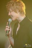 2011金賢重日本巡演表演, 記者會, 機場圖:1111119-日本巡演-東京-031.jpg