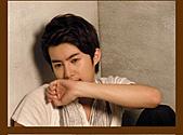 金亨俊美圖, 桌布, 採訪, 桌曆和其他商品圖:日本官網2010-4