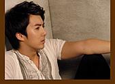 金亨俊美圖, 桌布, 採訪, 桌曆和其他商品圖:日本官網2010-5