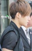 金賢重2012 Kim Hyun Joong Fan Meeting Tour寫真:120611金賢重北京下榻飯店出來by愛賢21度 C1.jpg