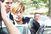 金賢重2012 Kim Hyun Joong Fan Meeting Tour寫真:120611金賢重北京下榻飯店出來by愛賢21度 C4.jpg