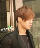 金賢重2012 Kim Hyun Joong Fan Meeting Tour寫真:120611金賢重北京下榻飯店出來by愛賢21度 C5.jpg