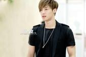 金賢重2012 Kim Hyun Joong Fan Meeting Tour寫真:120611金賢重金浦機場by他姓金1.jpg