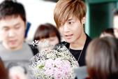 金賢重2012 Kim Hyun Joong Fan Meeting Tour寫真:120611金賢重金浦機場by他姓金7.jpg
