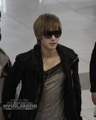 2011金賢重日本巡演表演, 記者會, 機場圖:111108-金浦機場赴日014.jpg
