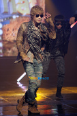 金賢重個人專輯Heat, Lucky韓文版, 日文版寫真+MV截圖+桌布+活動圖:金賢重-111020-Mnet Mcount Down-001.jpg