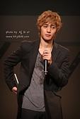 2011金賢重日本巡演表演, 記者會, 機場圖:111109-日本巡演-大阪-034.jpg