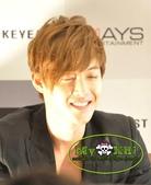 金賢重2012 Kim Hyun Joong Fan Meeting Tour寫真:120502新加坡FM press conference-16.jpg