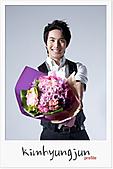 金亨俊美圖, 桌布, 採訪, 桌曆和其他商品圖:韓國官網201102-5