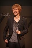2011金賢重日本巡演表演, 記者會, 機場圖:111109-日本巡演-大阪-035.jpg