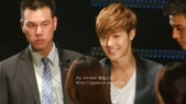 金賢重2012 Kim Hyun Joong Fan Meeting Tour寫真:120518金賢重台北FM-high five-50.jpg