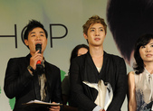 金賢重The Face Shop 2011 Asia Tour越南行:110812簽名Gueen Plaza-Zing-004.jpg