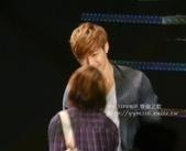 金賢重2012 Kim Hyun Joong Fan Meeting Tour寫真:120518金賢重台北FM-high five-90a.jpg