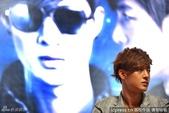 金賢重2012 Kim Hyun Joong Fan Meeting Tour寫真:120531成都FM擊掌-8.jpg