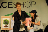 金賢重The Face Shop 2011 Asia Tour越南行:110812簽名Gueen Plaza-Zing-012.jpg