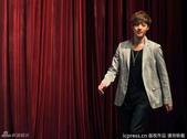 金賢重2012 Kim Hyun Joong Fan Meeting Tour寫真:120531成都FM擊掌-4.jpg