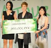 金賢重The Face Shop 2011 Asia Tour越南行:110812簽名Gueen Plaza-Zing-020.jpg