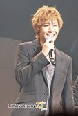 2011金賢重日本巡演表演, 記者會, 機場圖:111109-日本巡演-大阪015.jpg