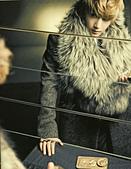 金賢重個人專輯Heat, Lucky韓文版, 日文版寫真+MV截圖+桌布+活動圖:Lucky-限量版003-1.jpg