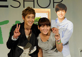 金賢重The Face Shop 2011 Asia Tour越南行:110812簽名Gueen Plaza-Zing-026.jpg