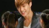 金賢重2012 Kim Hyun Joong Fan Meeting Tour寫真:120518金賢重台北FM-high five-100.jpg