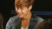 金賢重2012 Kim Hyun Joong Fan Meeting Tour寫真:120518金賢重台北FM-high five-102.jpg