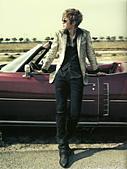 金賢重個人專輯Heat, Lucky韓文版, 日文版寫真+MV截圖+桌布+活動圖:Lucky-限量版021-1.jpg
